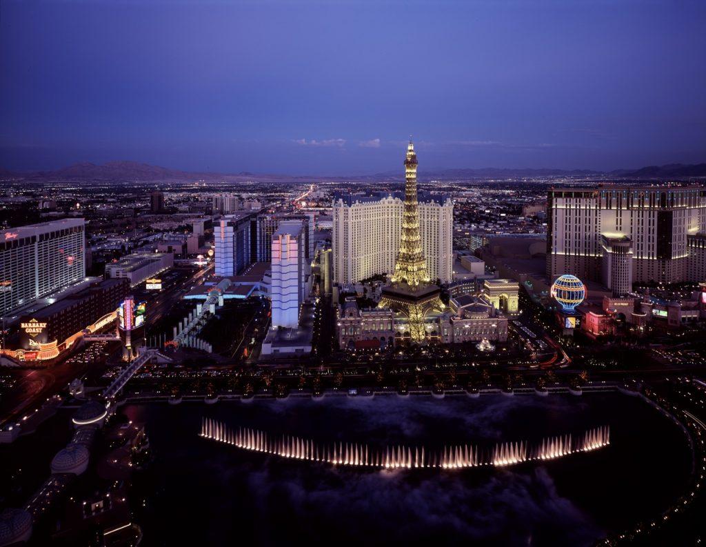 Skyline-night-city-skyscraper-urban-cityscape