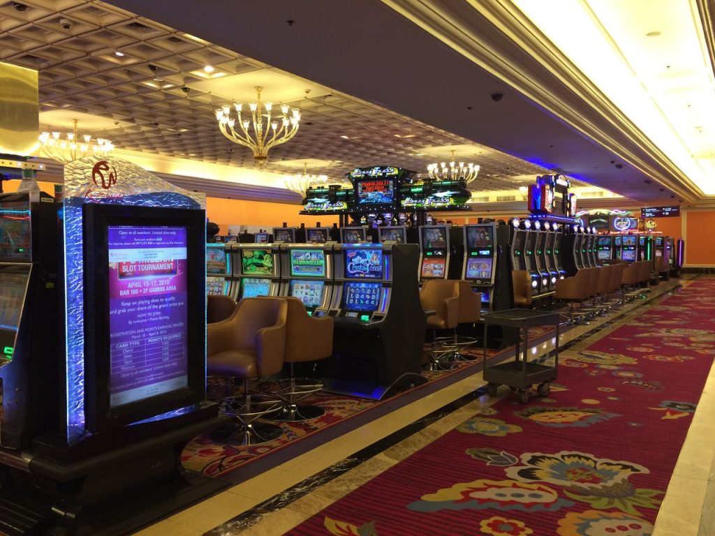 Game-building-hotel-casino-recreation-room=